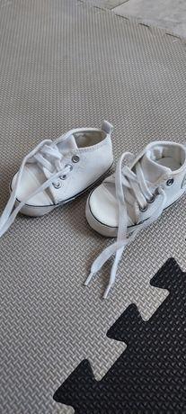 Buciki niechodki białe trampki 11cm