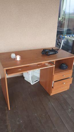 Biurko i fotel obrotowy