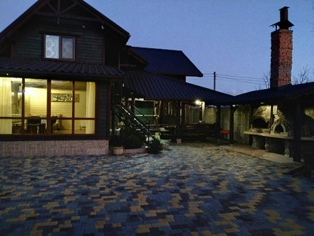 Деревянный коттедж. Банный дворик. Чан на дровах. Баня. Черноморск