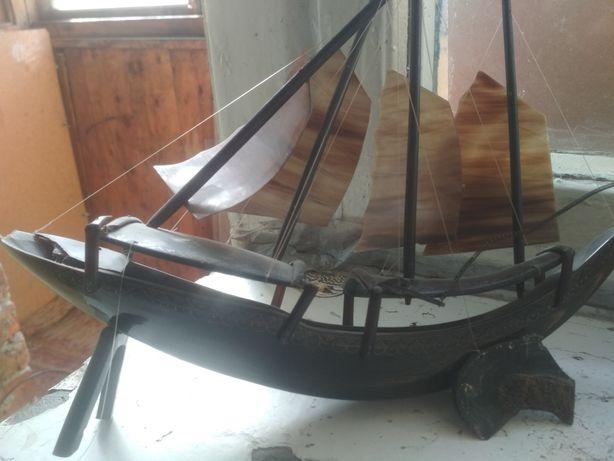Модель корабль - парусник