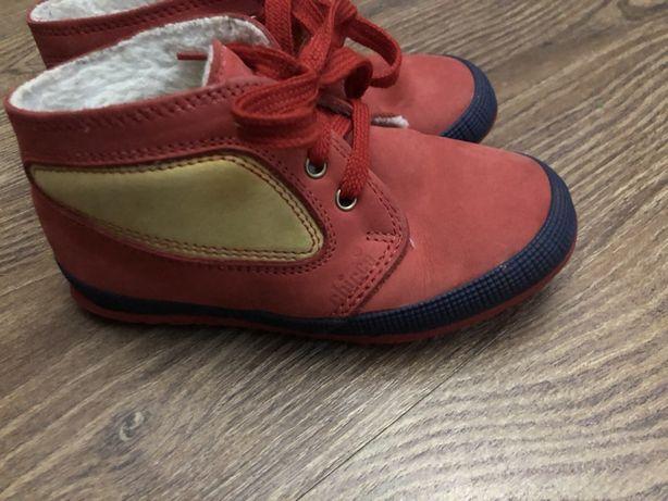 Ботинки,кроссовки.кеды chicco