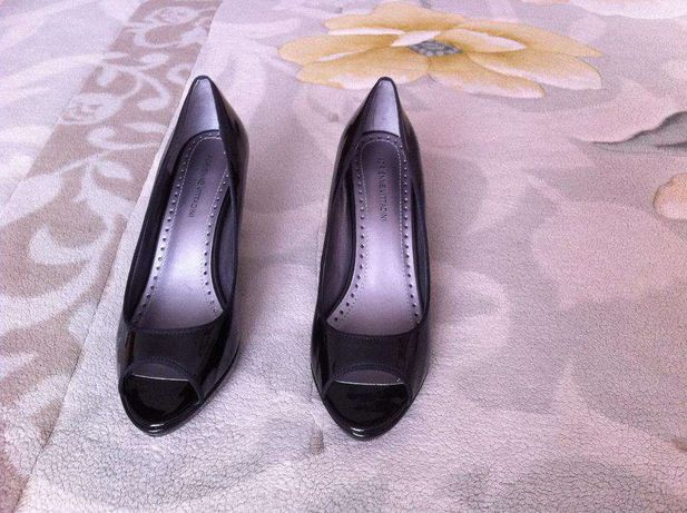 Туфли женские кожаные.