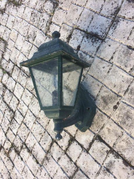 2 lanternas de rua