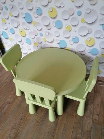stolik z krzesełkami