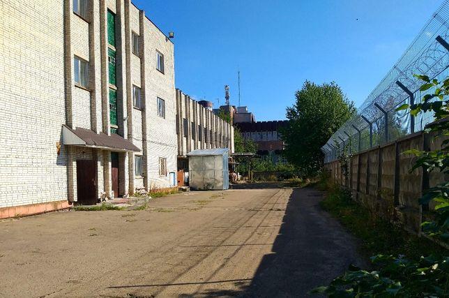 Продаж 2490 м.кв. окремої будівлі із ділянкою Залізничний район Львів
