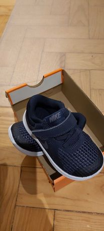 Nike revolution novas e originais n 22