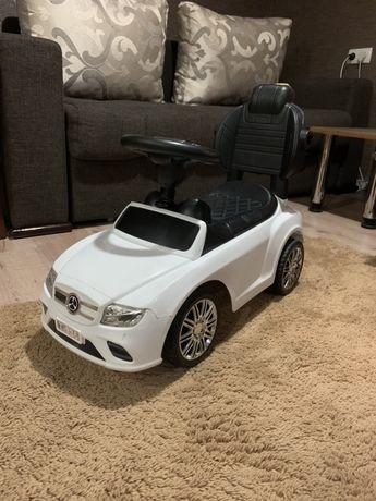 Машина каталка белая