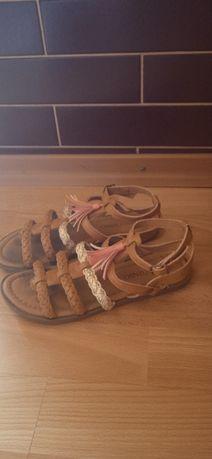 Sandaki dla dzieci