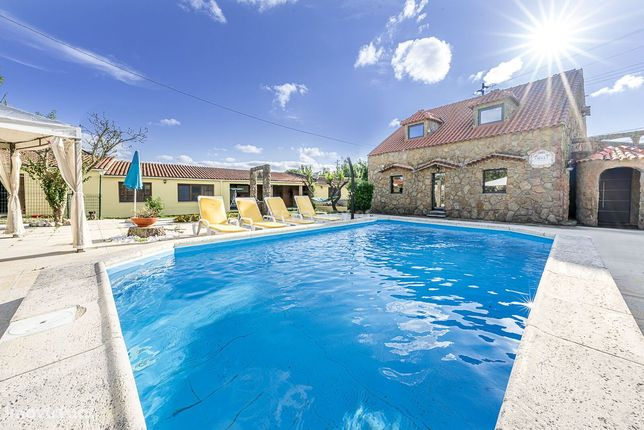 Moradia Isolada V4+3 com piscina no Algueirão - Mem Martins