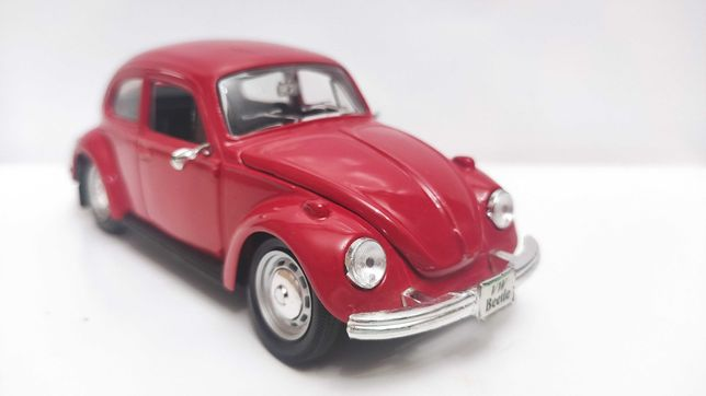 Модель Volkswagen Beetle 1.24 Maisto Red