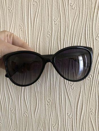 Черные солнцезащитные очки,чорні окуляри
