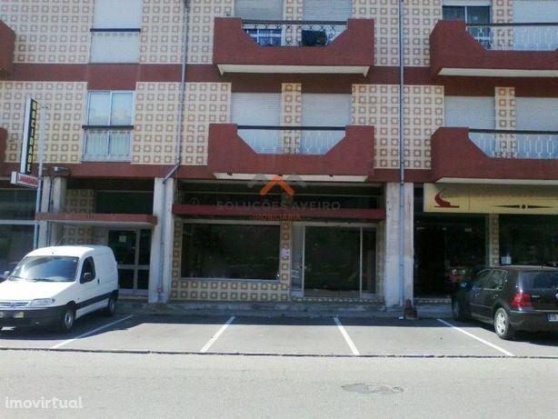 Loja no centro de Esgueira... para venda!