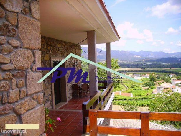 Visite Moradia T4 Valença renovada piscina