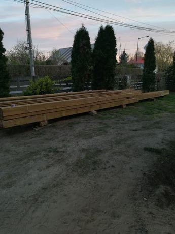 Wieźba krokwie drewno na altanę na konstrukcję więźba jest sucha