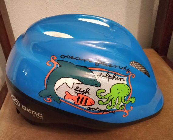 Bicicleta Estrada e capacete criança