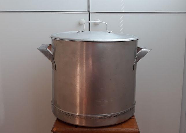 ПРОДАМ кастрюля с нержавеющей стали - 27 литров.
