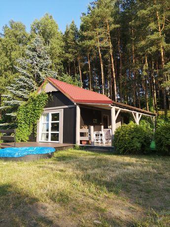 Domek nad jeziorem w malowniczej okolicy jezior i lasów. Sitnica