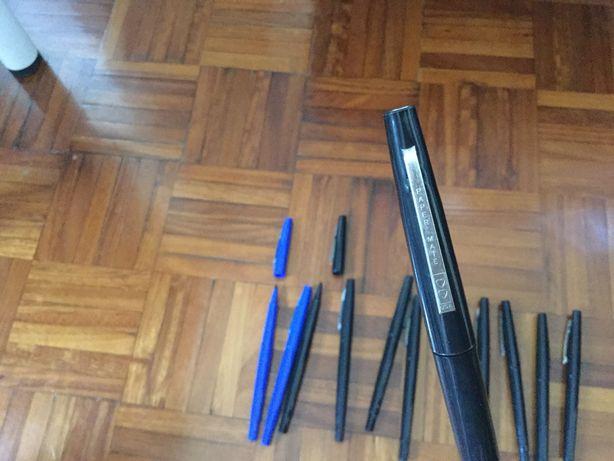 Canetas marcadores 12 unidades. Azul e Preto.