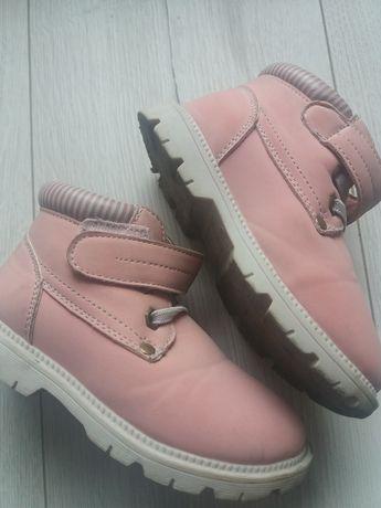 Wiosenne buciki dla dziewczynki
