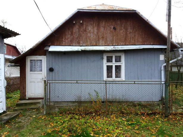 Продається будинок за містом