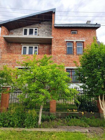 Продам будинок у Винниках вул.Банаха