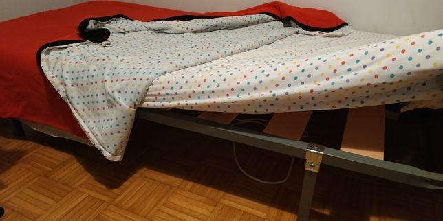 1 cama de solteiro