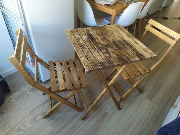 Mesa e 2 cadeiras de jardim