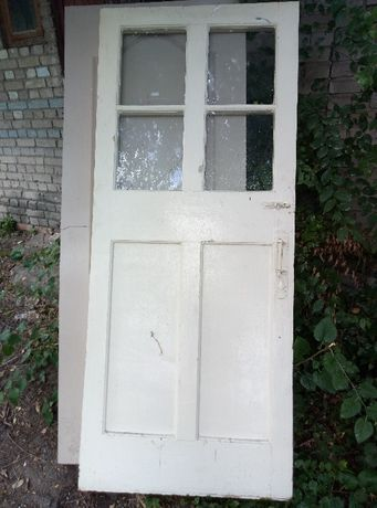 Двери межкомнатные с стеклом