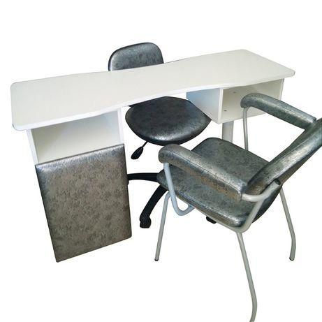 Mesa Unhas + Cadeiras