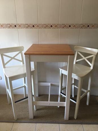 Mesa alta de cozinha + cadeiras