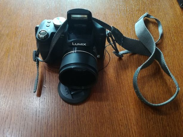 Aparat Panasonic Lumix DMC - FZ8