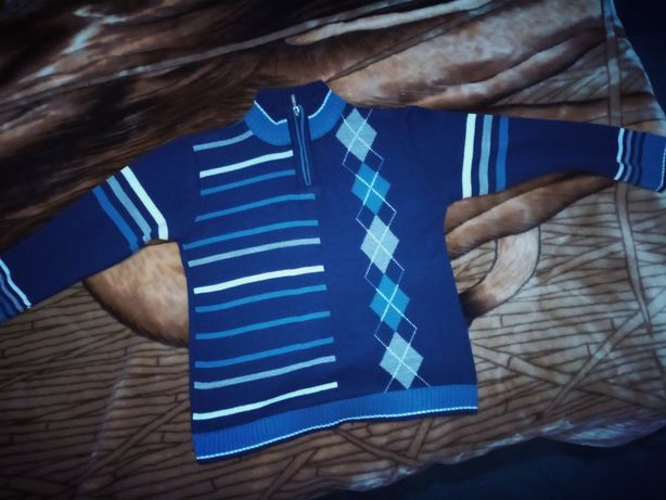 Тёплый свитерок на мальчика 5-6 лет.