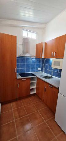 Cozinha completa com moveis cor cerejeira c/placa + termoacumulador