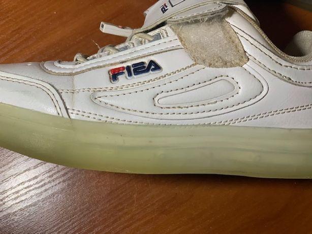 """Крутые белые детские кроссовки светящиеся с подсветкой """"FILA"""""""