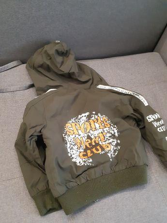 Куртка с капюшоном двусторонняя,ветровка