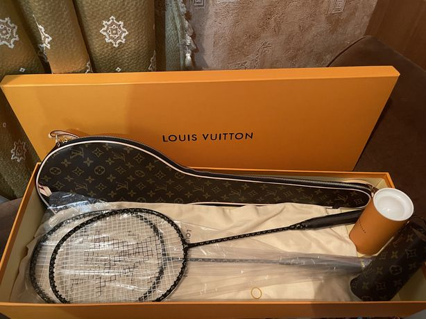 Продам бадминтон Louis Vuitton