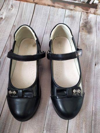 Туфли черные на девочку