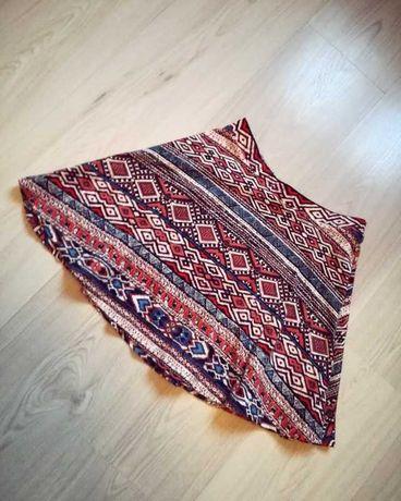 kolorowa spódnica rozkloszowana