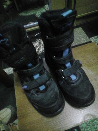 Продам ботинки зимові на хлопчика