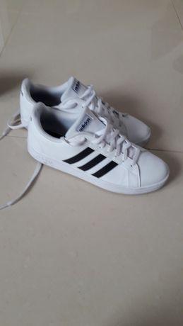 Buty Adidas r. 44