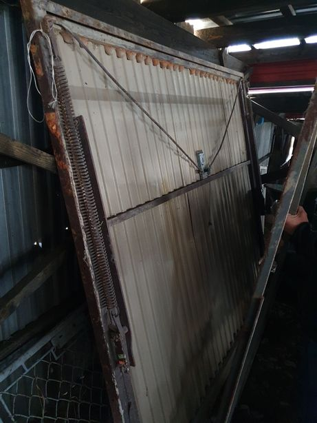Brama garażowa 235x210