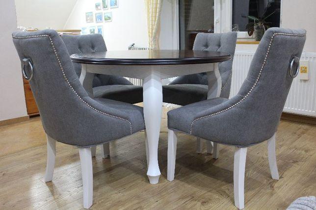 Krzesło z kołatką tapicerowane ozdobione ćwiekami