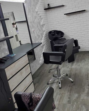 Аренда  для женского парикмахера-колориста
