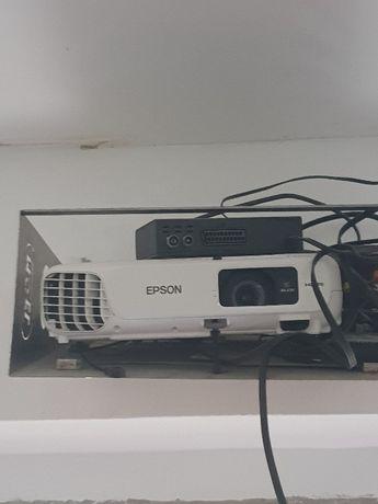 Video projector mais tela elétrica 2x2mt