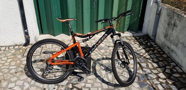 Bicicleta BTT/enduro