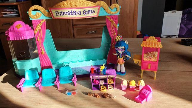 Kino Equestria Girls, pociąg