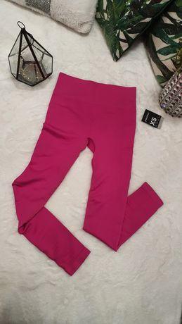 Różowe fuksja sportowe leginsy na siłownię gym glamour