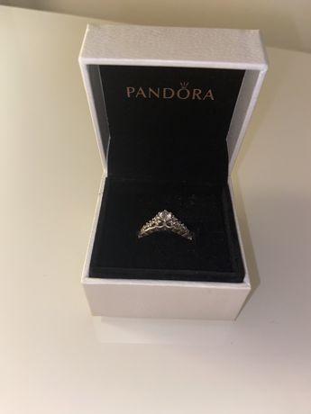 Vendo anel Pandora original