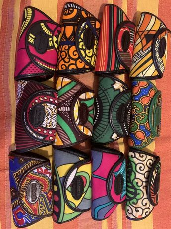 Porta moedas sakocuia angola em pele.novos padrao africano