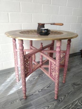Старинный кофейный, журнальный столик в стиле бохо, бохошик, богемия.